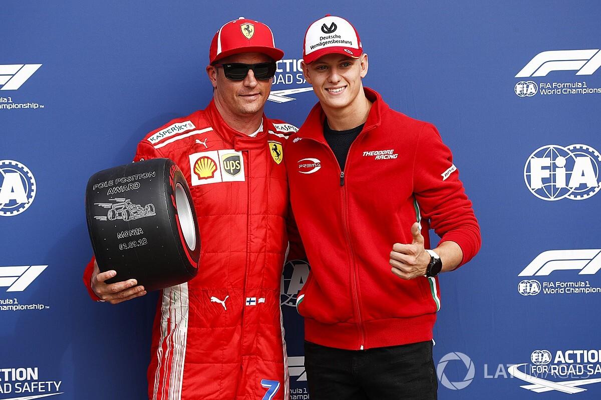 Mick Schumacher az időmérő-győztes Räikkönen mellett Monzában