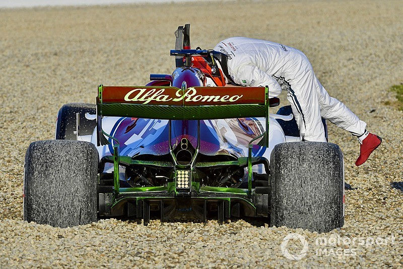 Gallery: The best images from Day 1 of F1 testing
