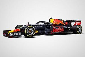 Red Bull вернулась к традиционным цветам машины
