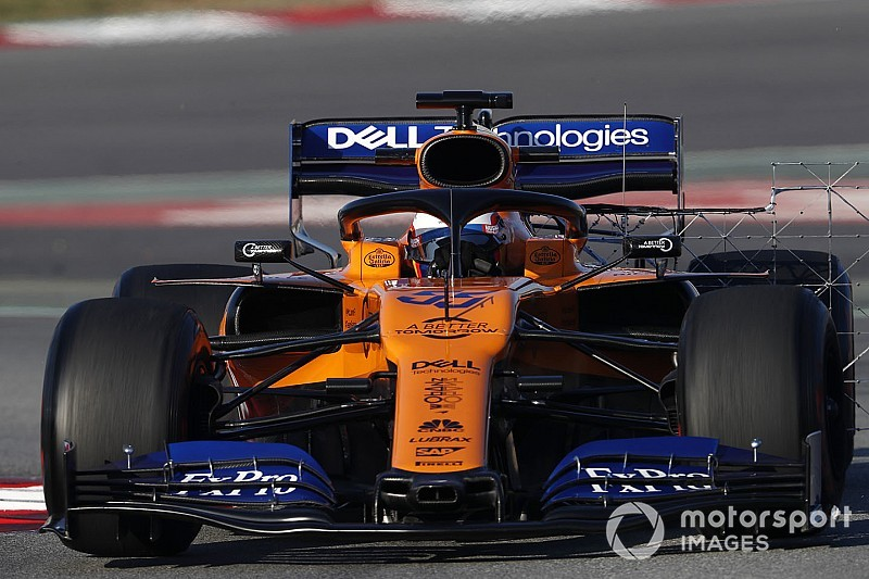 Sainz tops second morning of F1 test as Vettel crashes