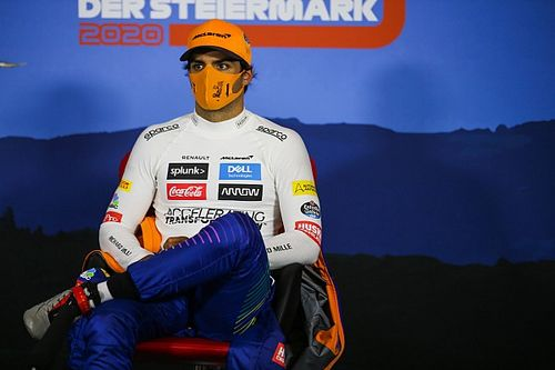 McLaren vende mascarillas contra la COVID-19 con fines benéficos