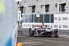 Formule E EL - Bird sur sa lancée, entre deux drapeaux rouges