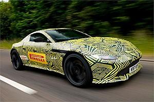 VIDEO: Verstappen probó el nuevo Aston Martin Vantage