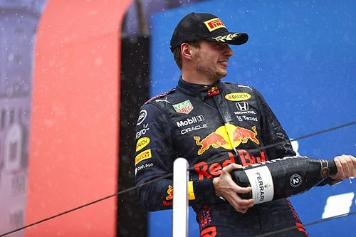 Red Bull y Verstappen, un 2º en casa Mercedes que sabe a triunfo