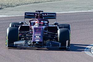 """F1""""雑感""""解説:アルファロメオ……そのフロントウイングの狙いは?"""