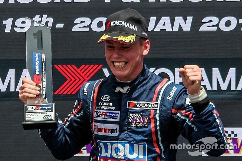 Luca Engstler pronto a difendere il titolo in TCR Asia con la Hyundai