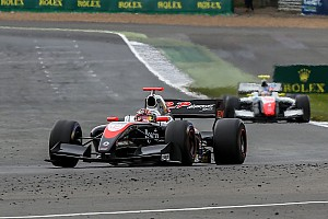 フォーミュラ・ルノー V8 3.5 速報ニュース 【フォーミュラV8 3.5】開幕戦レース2:体調戻らず、金丸自主リタイア
