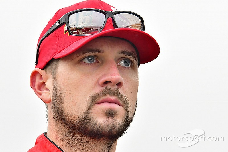 Annett will compete for 2017 NASCAR Xfinity title with JR Motorsports