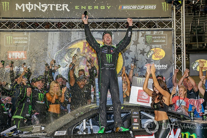 Eye in the Sky: Tony Raines calls Kurt Busch back to Victory Lane