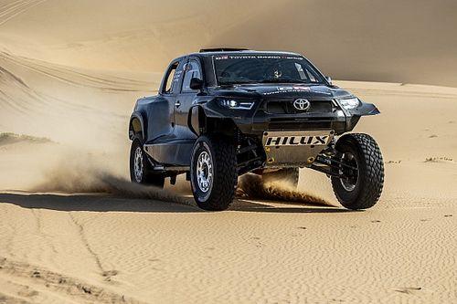 Toyota desvela las primeras fotos de su Hilux T1+ y su alineación para el Dakar 2022