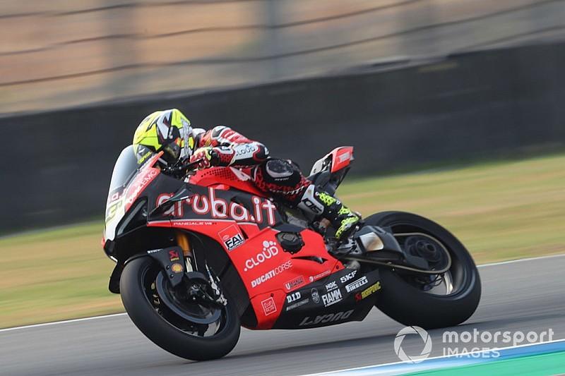 Fotogallery SBK: la Ducati domina le prime libere di Buriram con Bautista