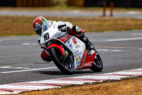 Honda NSF 250: Varoon wins after multi-bike startline crash