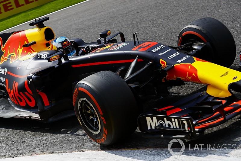 Szingapúrban továbbfejlesztett üzemanyagot töltenek a Red Bullokba