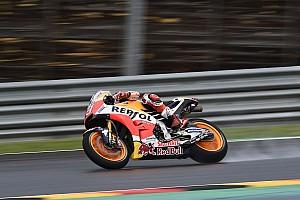 MotoGP Relato de classificação Márquez bate Petrucci e é pole em Sachsenring; Rossi é 9º