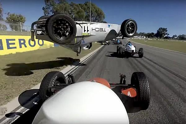 Formelsport News Video: Formula-Vee-Fahrerin überlebt bösen Unfall unverletzt