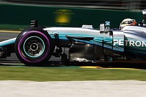 Formula 1 Qualifiche GP d'Australia: Hamilton in pole, ma Vettel è vicino con la Ferrari