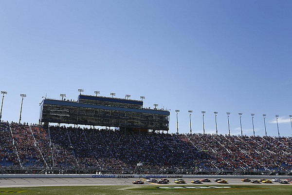 Ten NASCAR Cup teams take part in Chicagoland test