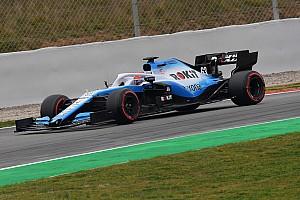 Videó: Pályára gurult a Williams FW42 az F1-es teszten Barcelonában