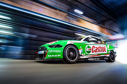 Fan photos to feature on Kelly Bathurst livery