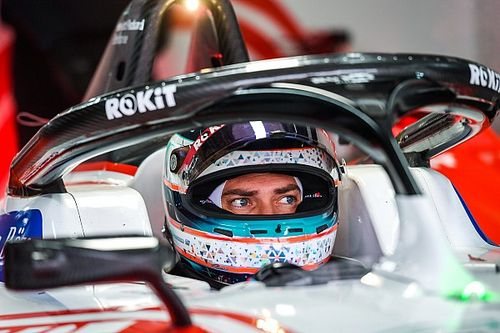 Пилот Формулы Е попал в госпиталь после аварии