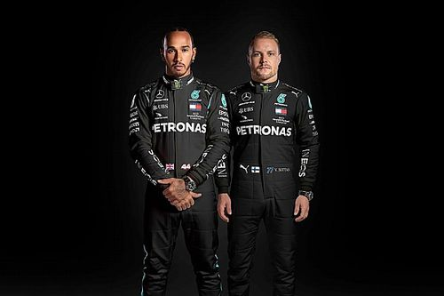 Mercedes: le tute nere di Hamilton e Bottas contro il razzismo