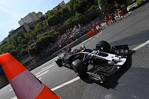 Haas explica motivos de mudança na pintura de seu carro
