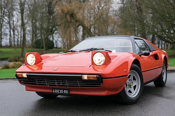 Vintage Ultime notizie All'asta la Ferrari di Villeneuve del