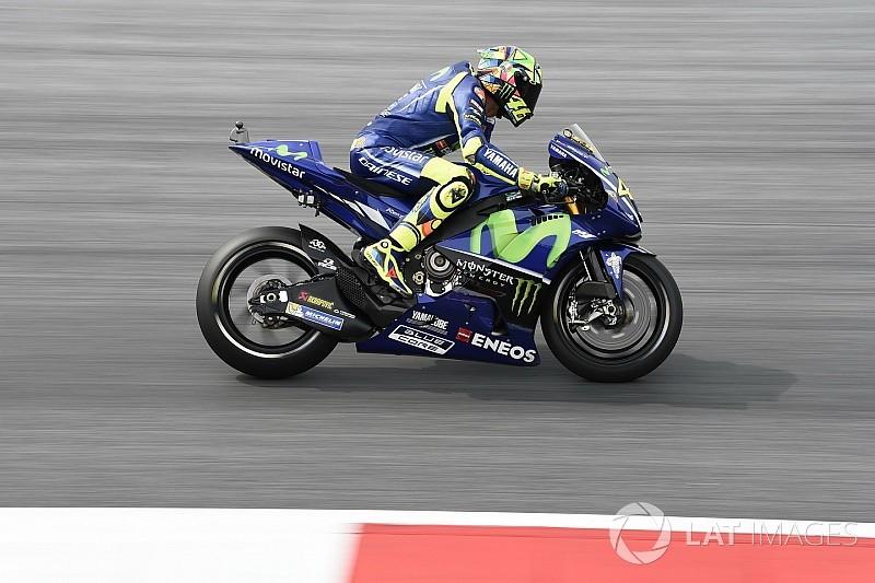 Rossi y Viñales dan 180 vueltas para limitar el desgaste de la goma trasera
