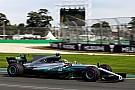 Hamilton sigue dominando en Melbourne