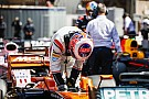 Формула 1 Баттону дали штраф в три позиции на старте следующей гонки