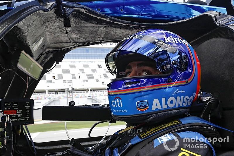 Алонсо отклонил предложения выступить в «культовых гонках» 2019 года