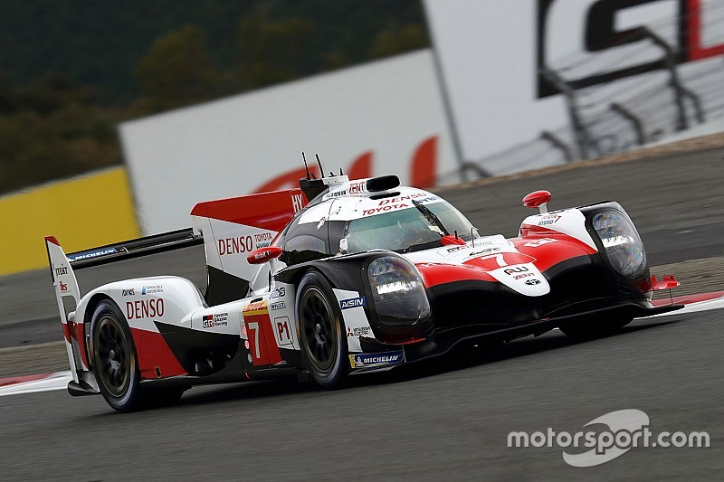 Toyota manda tras tres horas en Fuji con López al frente