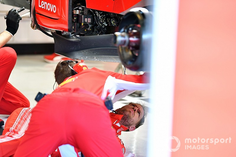 Vettel suffers damage setback in Abu Dhabi test