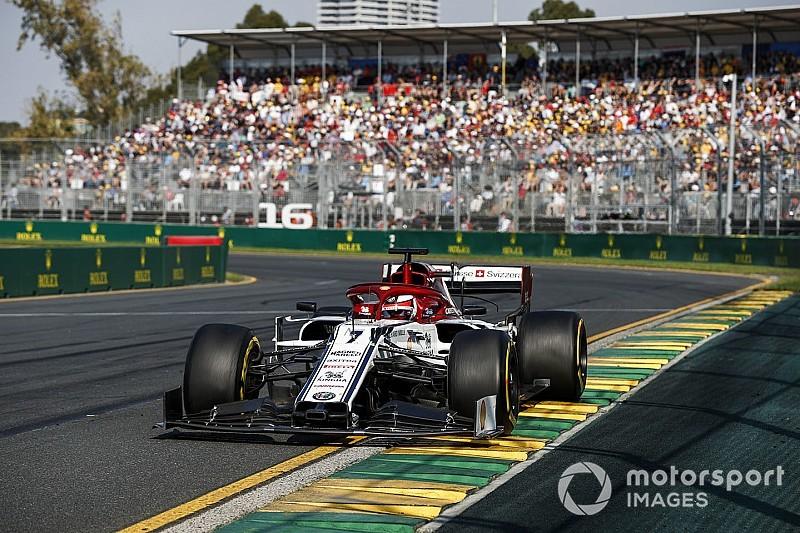 Visor tear-off forced Raikkonen into early pitstop