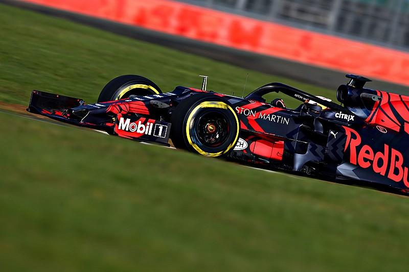 Fotogallery: l'esordio in pista della Red Bull RB15 a Silverstone con Verstappen
