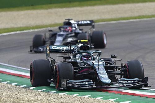 Vettelt is meglepte, hogy repülőrajt jött a piros zászlós megszakítás után