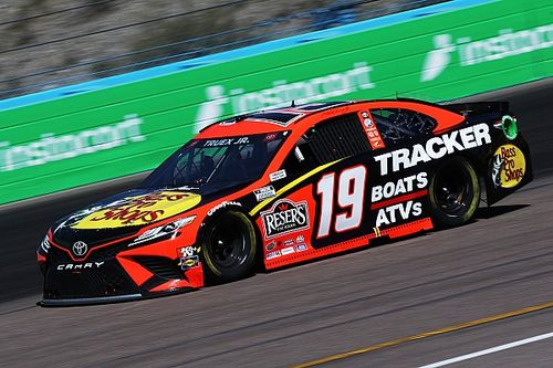 Truex triumphs at Phoenix for first NASCAR Cup win in 28 starts
