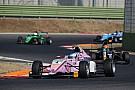 Formule 4 F4-coureur Floersch beboet na rakelings missen bergingsvoertuig