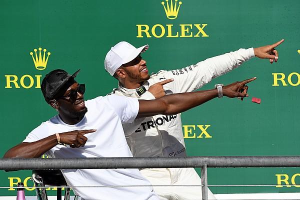 Формула 1 История фотографии: Хэмилтон делает «молнию Болта»