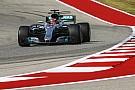 Formule 1 Hamilton blijft bovenaan in Austin, vijfde tijd Verstappen na motorwissel