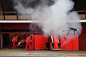 Az FIA figyelmeztet: a füstölő Ferrari rejtélye megoldódott