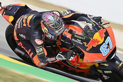 Catalunya Moto2: Gardner passes team-mate Fernandez for victory