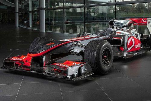 Hamilton'ın kullandığı McLaren MP4-25A 4,8 milyon sterline satıldı