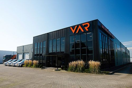 Van Amersfoort Racing Gantikan HWA Racelab di FIA F3 2022
