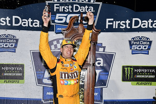 NASCAR Cup Kyle Busch gana una caótica carrera en Martinsville