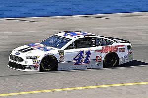 NASCAR Sprint Cup Crónica de Carrera Kurt Busch arrebata la Etapa 2 en Phoenix