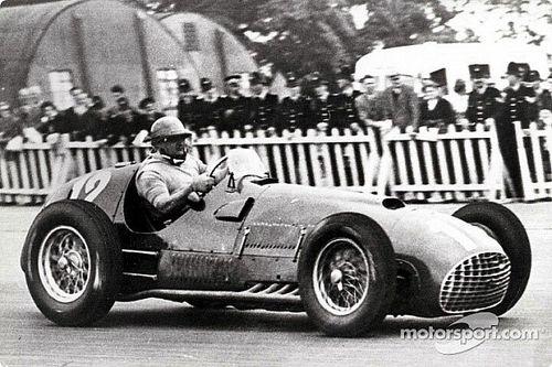 Primeira vitória da Ferrari na F1 completa 70 anos; veja como foi