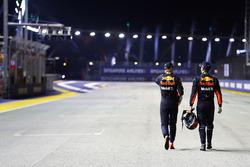 Обладатель второго места в квалификации Макс Ферстаппен и обладатель третьей позиции Даниэль Риккардо, Red Bull Racing