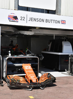 Nose and front wing of Jenson Button, McLaren MCL32