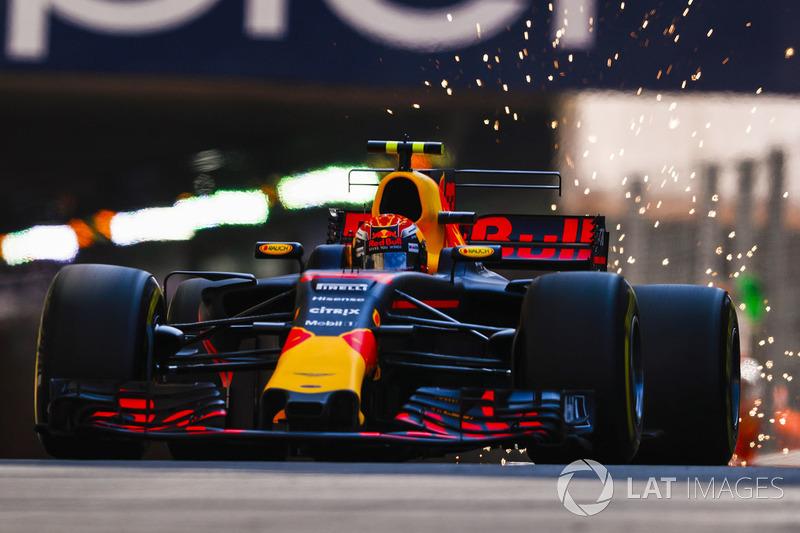 Verstappen n'hésite pas à tancer son équipe sur la stratégie